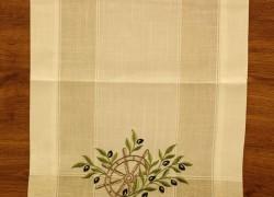Obrus vyšívaný DM-1034 - OLIVE (40x135 cm) - zeleno-biely veľkosť 40x135 cm