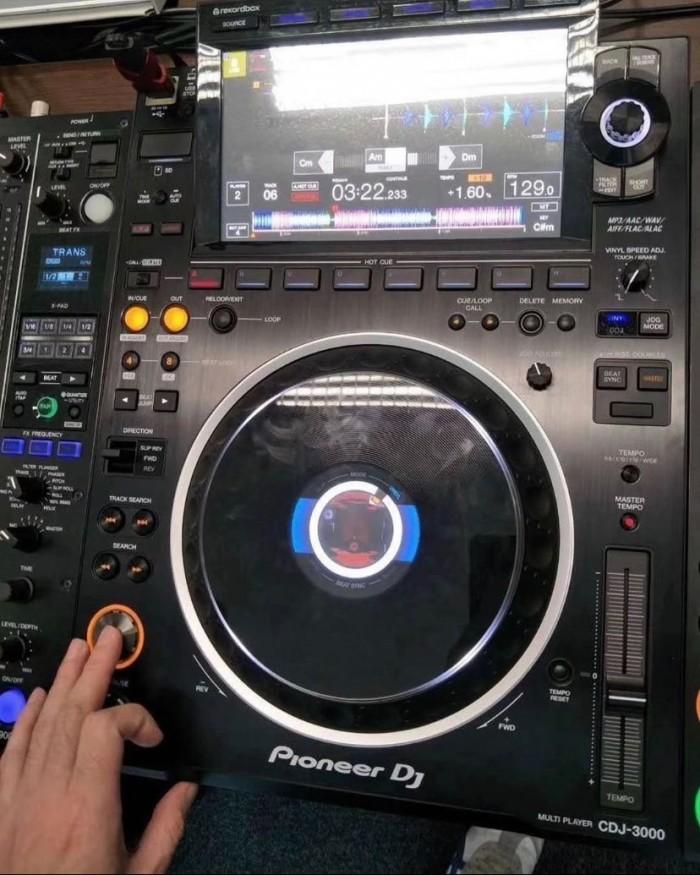 Pioneer DDJ-1000 Controller = 550EUR, Pioneer DDJ-SX3 Controller = 550 EUR,Pioneer CDJ-3000 Professional DJ Multi Player = 1400 EUR, Pioneer DDJ-FLX